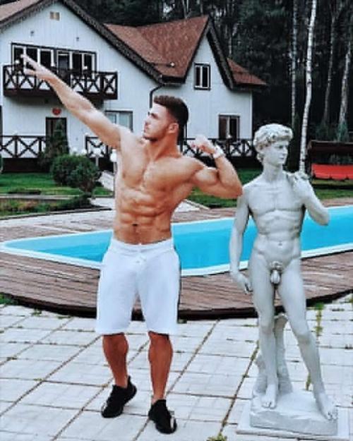 Роман Капаклы. Рома капаклы в юности весил 100 кг.
