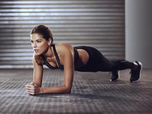 Планка утром натощак. Упражнение планка: как правильно делать + ВИДЕО