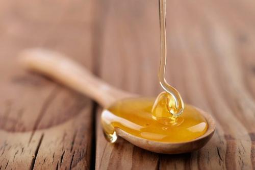 Сколько грамм меда в столовой ложке. Сколько грамм мёда содержится в 1 ложке