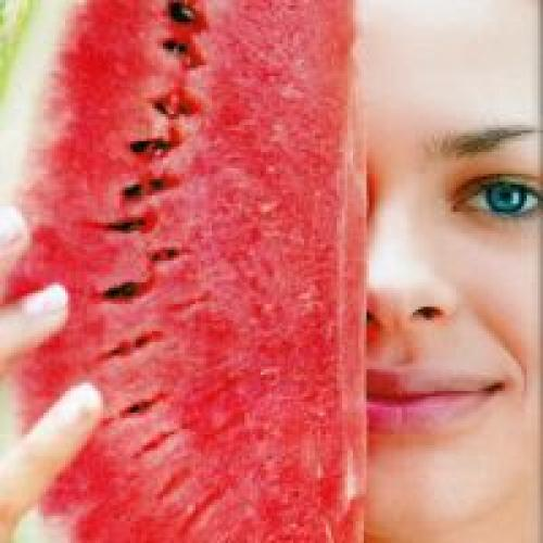 Можно ли кушать арбуз вечером при диете. Можно ли кушать арбуз при похудении вечером