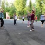 """14 июля во дворе дворца культуры """"Цементник"""" состоялось первое мероприятие в рамках летнего проекта """"ритмы лета""""."""